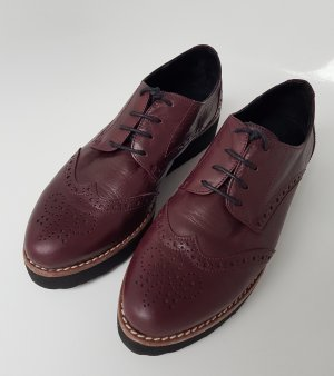 Wingtip Shoes brown red