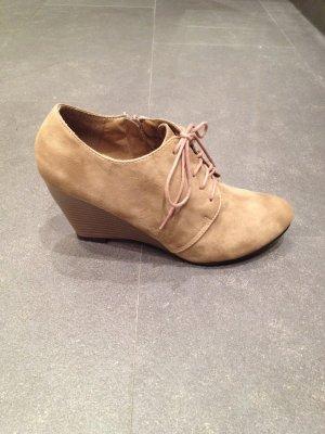 100% Fashion Chaussures à lacets beige clair