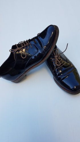 AGL Lace Shoes black