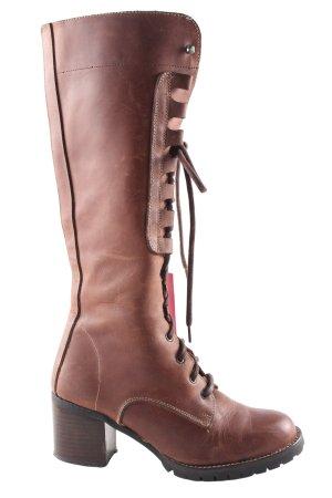 Botas con cordones marrón look casual