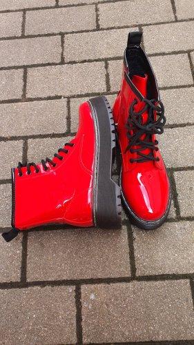 Bottes à lacets rouge