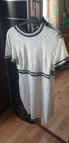 Sukienka dresowa w kolorze białej wełny
