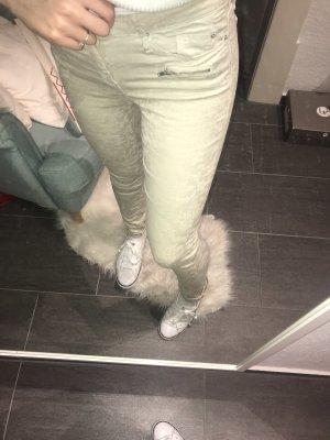 Schöne beige Jeansshose