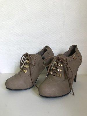 schöne beige Schuhe/ Highheels/ Stiefeletten 37 beige Gold schwarz NEU