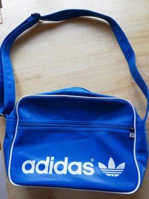 Schöne, blaue Adidastasche