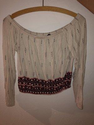 Schöne Bluse mit modernem Muster