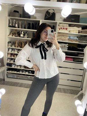 Emily van den Bergh Blouse avec noeuds blanc-noir