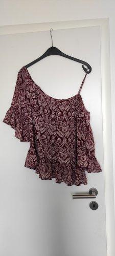 Schöne Bluse mit separaten Ärmeln