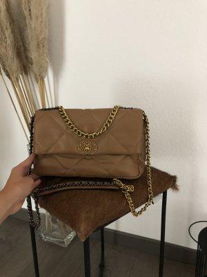 Schöne braune Tasche
