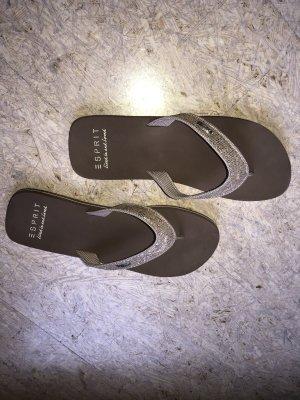 Schöne Flip Flops mit Glitzer-Riemen