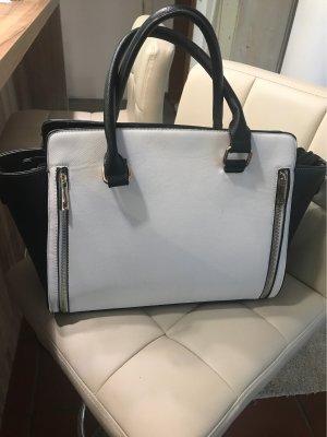 Schöne geräumige Tasche in schwarz Weiss 28 x44 cm