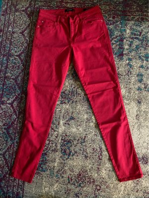 Guess Jeansy rurki czerwony