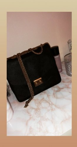 Schöne H&M Schultertasche in Schwarz mit Gold