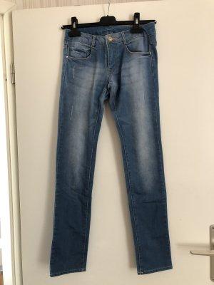 Schöne helle Jeans