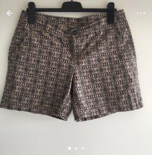 Schöne Hotpants mit Muster