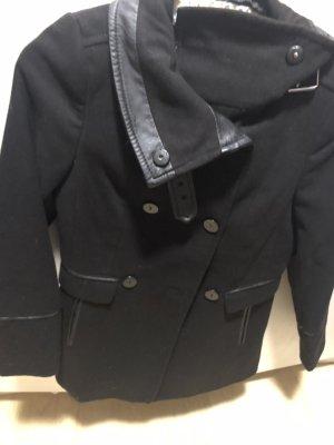 Schöne Jacke 2 mal getragen
