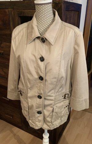 Schöne Jacke von BONITA