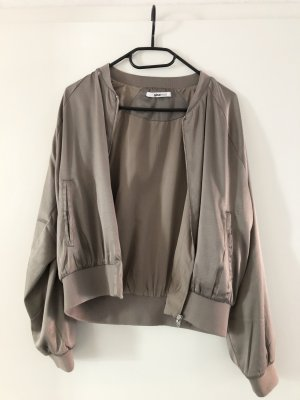 Schöne Jacke von Gina Tricot Gr. S