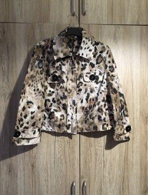 Schöne Jacke von monari