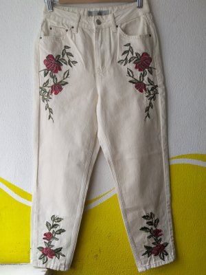 Schöne Jeans mit Blumen
