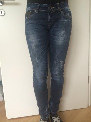 Schöne Jeans mit leder Akzenten