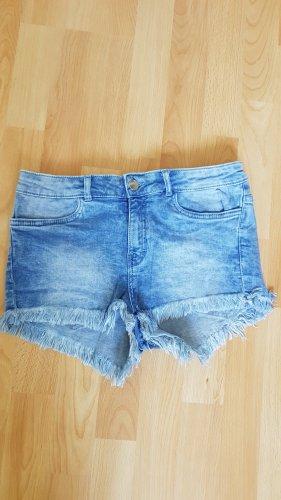 Schöne Jeansshorts von H&M mit Fransen