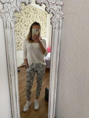 Schöne Jogger/ Sweatpants mit Muster