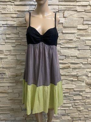 Schöne Kleid von Ana alkasar Gr36