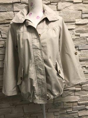 Schöne leichte Jacke von Yessica C&A Gr 38