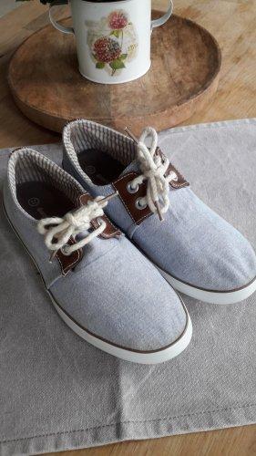 Schöne leichte Stoff Sneaker