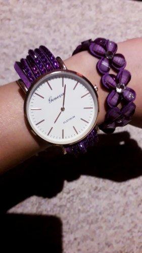 Schöne lila Uhr von Geneva