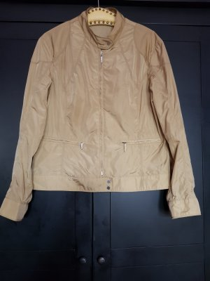 Schöne Moncler Jacke