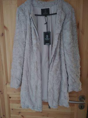 Chaqueta de piel color plata-gris claro