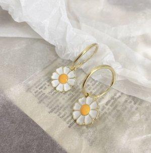 Schöne Ohrringe Blumen Neu