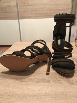 Schöne Olive farbene Sandaletten