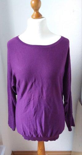 Schöne oversized Pullover in einem warmen Beeren Ton, cyclam