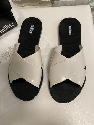 Melissa Sandalias con tacón negro-blanco
