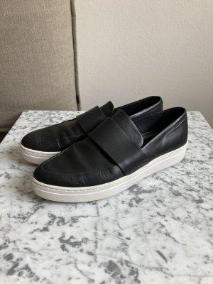 Vagabond Slip-on Shoes black-white leather