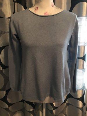 Schöne Pullover von Italy Gr 34