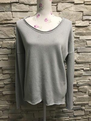 Schöne Pullover von Italy Gr 40