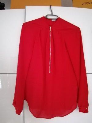 Schöne rote Bluse