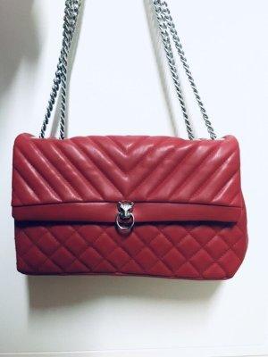 Schöne rote Tasche, Löwenkopf, Steppmuster