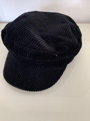 Schöne ruffled Mütze
