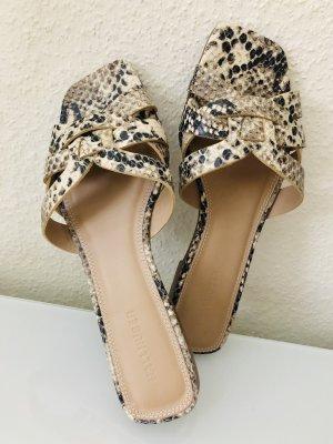 Schöne Sandalen 37
