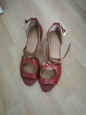 Schöne Sandalen von Calvin Klein in rot