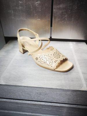 Schöne Sandalen von Gabor Gr 5,5 38,5 creme Sandaletten Pumps durchbrochen nude