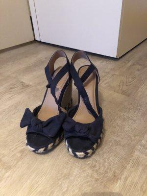 Schöne Sandaleten