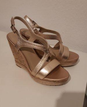 Schöne Sandaletten Gr. 37 Keilabsatz