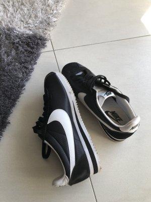 Schöne Schuhe Nike wie neu große 38