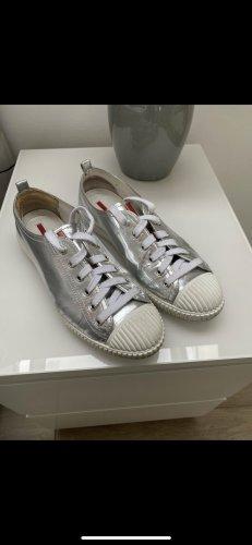 Schöne Schuhe von Prada